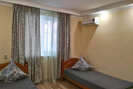 Сдается 2-комнатная квартира посуточно в Гаспре, Алупкинское шоссе, 34.