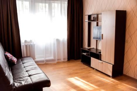 Сдается 1-комнатная квартира посуточно в Кирове, Пятницкая улица, 68.