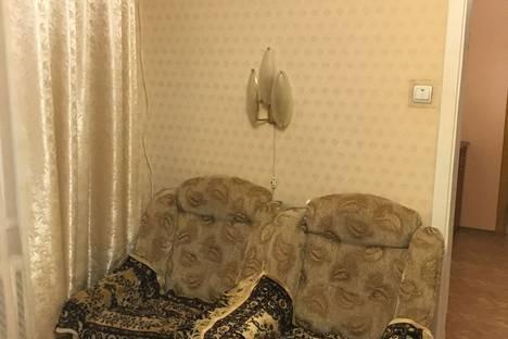 Сдается 2-комнатная квартира посуточно в Алуште, улица Ялтинская, 21.