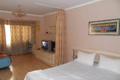 Сдается 1-комнатная квартира посуточно в Актобе, 12 микрорайон, дом 100.