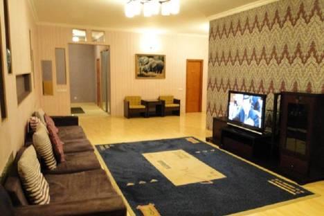 Сдается 3-комнатная квартира посуточно в Актобе, 11 мкр дом 144.