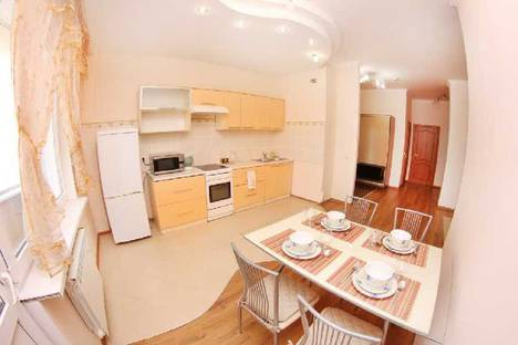 Сдается 3-комнатная квартира посуточно в Актобе, 11 мкр дом 112.