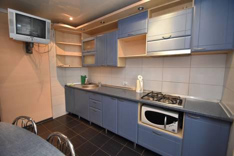 Сдается 2-комнатная квартира посуточно в Гурзуфе, ул.Подвойского 345.