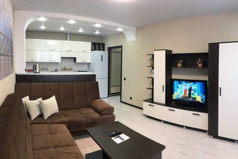 Сдается 3-комнатная квартира посуточно в Чебоксарах, улица Пирогова, 2к2.