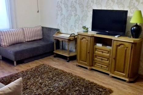 Сдается 1-комнатная квартира посуточно в Таганроге, Октябрьская площадь, 2.