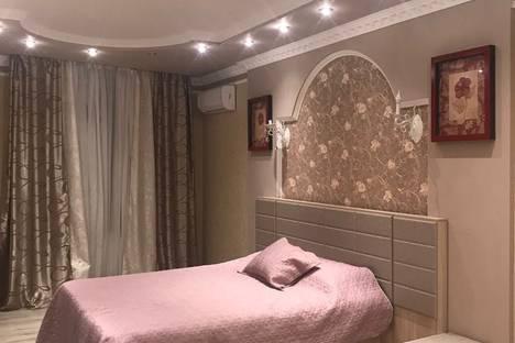 Сдается 2-комнатная квартира посуточно, улица Сормовская, 208.