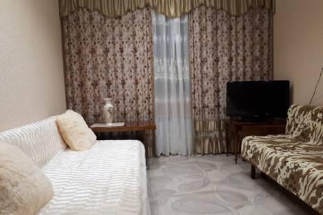 Сдается 2-комнатная квартира посуточно, Краснодонская улица, 13.