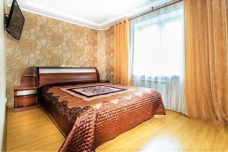 Сдается 2-комнатная квартира посуточно в Новокузнецке, улица Тольятти, 29.