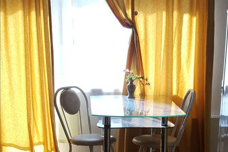 Сдается 1-комнатная квартира посуточно в Тургояке, Миасс, улица Уральских Добровольцев, 1а.