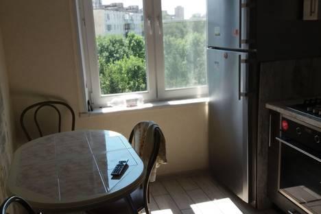Сдается 1-комнатная квартира посуточно в Химках, Дружбы 8а.