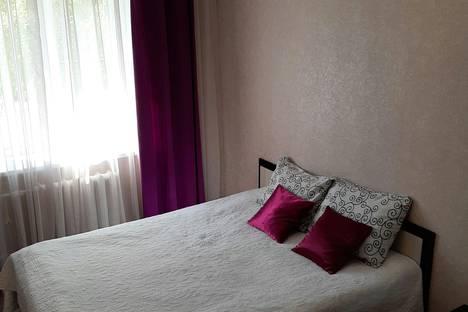 Сдается 2-комнатная квартира посуточно в Бузулуке, 2 микрорайон, дом 36.
