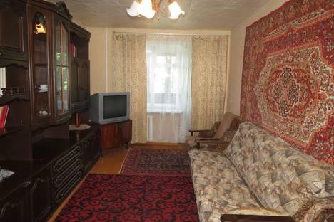 Сдается 3-комнатная квартира посуточно в Бузулуке, 1-й микрорайон, 23 дом.