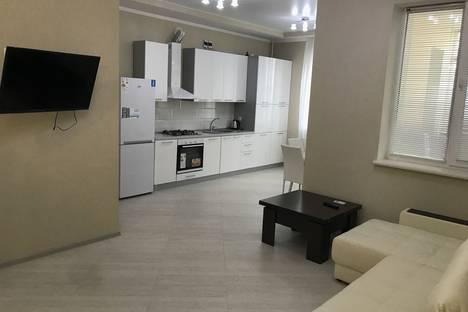 Сдается 3-комнатная квартира посуточно в Евпатории, проспект Ленина, 49.