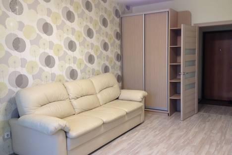 Сдается 1-комнатная квартира посуточно в Ангарске, 18 микрорайон 19 дом.