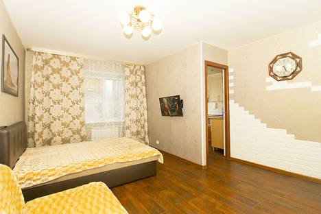 Сдается 1-комнатная квартира посуточно в Екатеринбурге, улица Челюскинцев, 33.