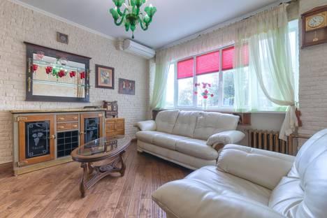 Сдается 2-комнатная квартира посуточно в Москве, Гоголевский бульвар 8/9 с1.