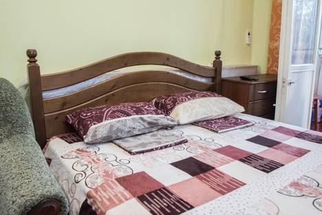 Сдается 2-комнатная квартира посуточно в Гурзуфе, улица Подвойского, 26.