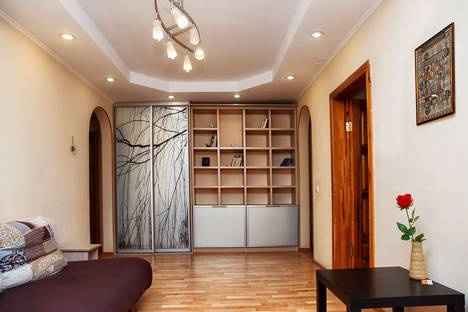 Сдается 3-комнатная квартира посуточно в Кемерове, проспект Молодежный, 11А.