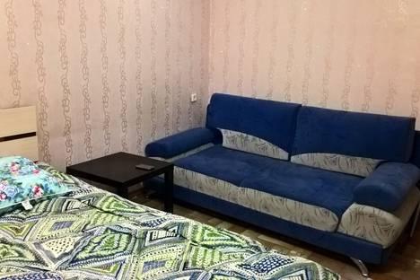 Сдается 2-комнатная квартира посуточно в Березниках, улица Свердлова, 102.