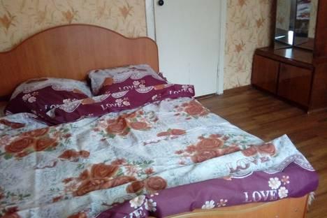Сдается 2-комнатная квартира посуточно в Йошкар-Оле, улица Советская, 89.