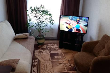 Сдается 2-комнатная квартира посуточно в Лесосибирске, улица Победы 34а стр 1.
