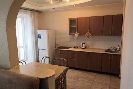 Сдается 2-комнатная квартира посуточно в Омске, улица Степанца, 3.