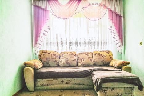 Сдается 2-комнатная квартира посуточно в Омске, проспект Мира, 30Б.