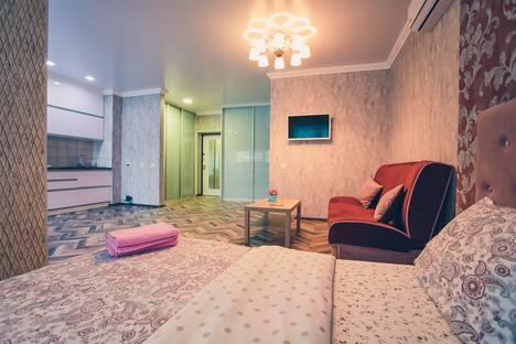 Сдается 1-комнатная квартира посуточно, улица Октябрьской Революции, 23а.