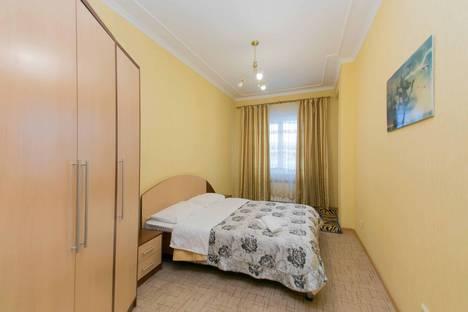 Сдается 2-комнатная квартира посуточно, улица Туркестан 2.