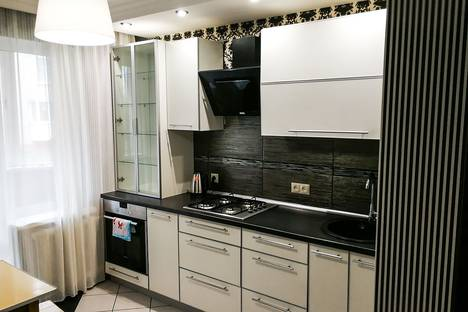 Сдается 2-комнатная квартира посуточно в Орше, улица Мира, 49А.
