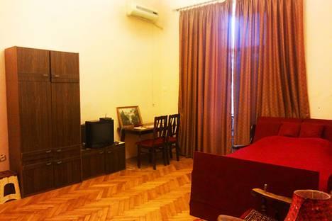 Сдается 1-комнатная квартира посуточно в Баку, ул М. Гусейна 69.