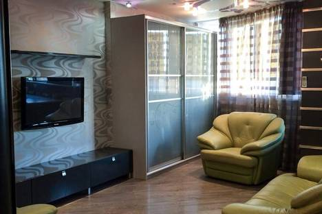 Сдается 1-комнатная квартира посуточно в Новосибирске, улица Покрышкина, 1.