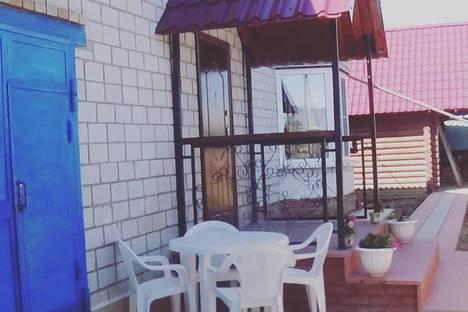 Сдается коттедж посуточно в Яровом, Социалистическая улица, 37.