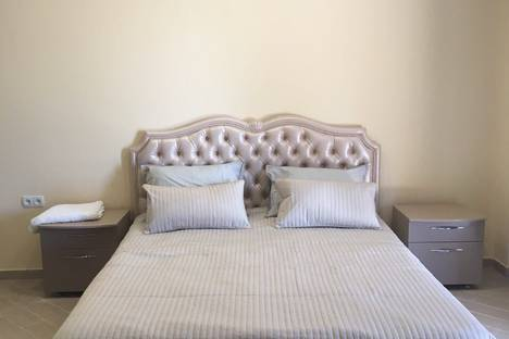 Сдается 1-комнатная квартира посуточно в Ливадии, улица Виноградная, 22.