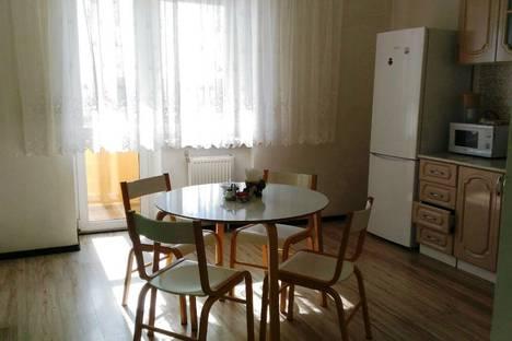 Сдается 2-комнатная квартира посуточно, Первомайская,60к1.