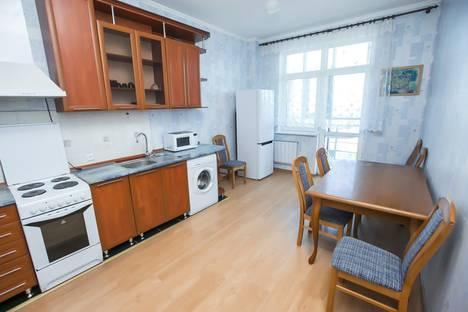 Сдается 1-комнатная квартира посуточно, улица Сарайшык, 34.