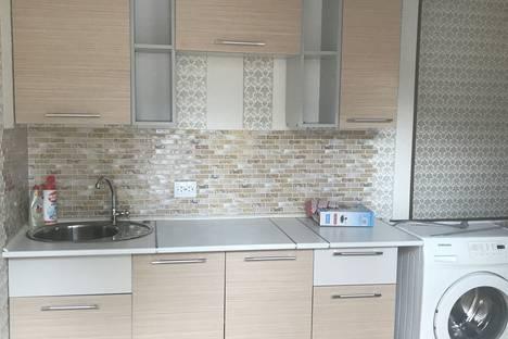 Сдается 2-комнатная квартира посуточно в Сочи, улица Полтавская, дом 32.