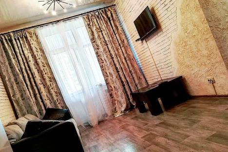 Сдается 2-комнатная квартира посуточно в Зеленой поляне, Кусимовский Рудник, улица Школьная 29/4.