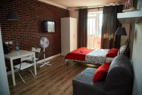 Сдается 1-комнатная квартира посуточно в Клине, улица Чайковского, 105.