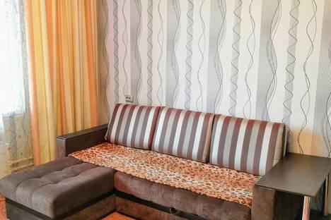 Сдается 2-комнатная квартира посуточно в Челябинске, улица Трашутина, 17.