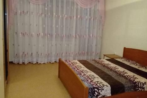 Сдается 3-комнатная квартира посуточно в Уральске, улица Курмангазы.