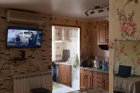 Сдается 2-комнатная квартира посуточно в Геленджике, Нахимова 10.