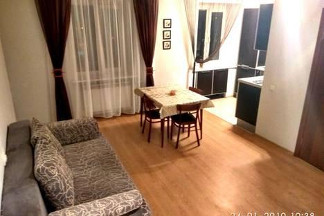 Сдается 3-комнатная квартира посуточно, улица Космонавтов, 8.