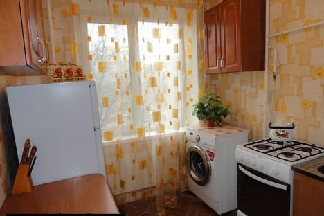 Сдается 2-комнатная квартира посуточно в Никополе, Нікополь, вулиця Електрометалургів, 36.