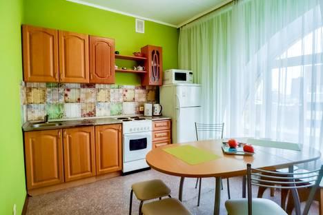 Сдается 2-комнатная квартира посуточно в Перми, улица Тимирязева, 26.