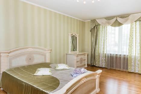 Сдается 3-комнатная квартира посуточно в Тюмени, улица Малыгина, 52.