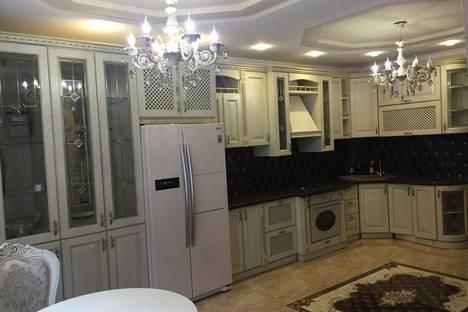 Сдается 2-комнатная квартира посуточно в Ессентуках, улица Орджоникидзе, 84.