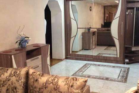 Сдается 2-комнатная квартира посуточно в Ессентуках, улица Маяковского, 15.
