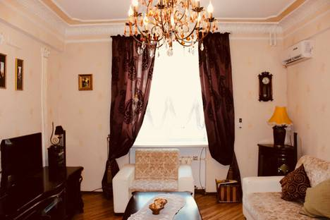 Сдается 3-комнатная квартира посуточно, улица Степана Разина 2.