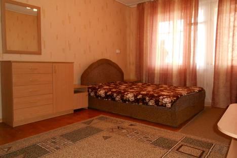 Сдается 2-комнатная квартира посуточно в Евпатории, проспект Ленина.